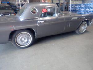Ford Thunderbird Seite